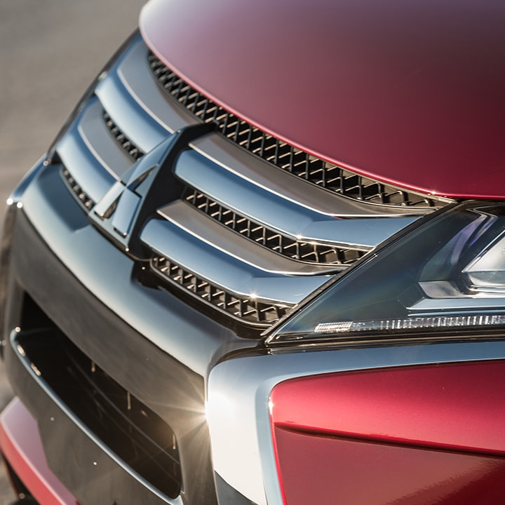 Lead with a strong, dynamic appearance with the Eclipse Cross's aggressive front grille.