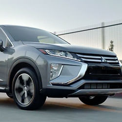 eclipse cross mitsubishi 2018 video1