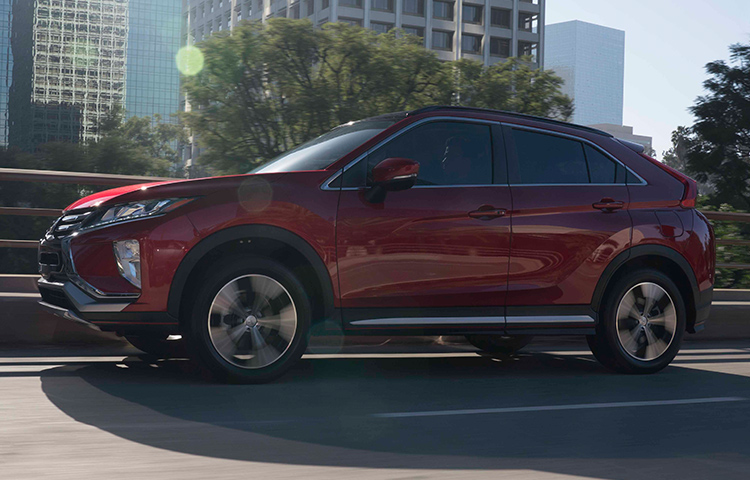 Discover a crossover that blends safety and style, with the 2019 Mitsubishi Eclipse Cross.