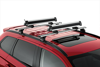 snowboard and ski rack SUV accessory on 2016 Mitsubishi Outlander