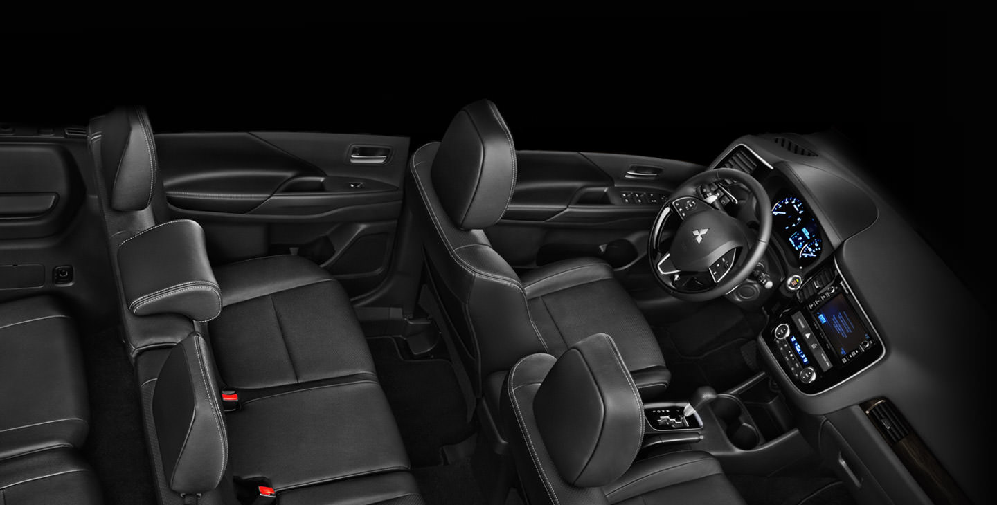 7 passenger seating in Mitsubishi Outlander Crossover SUV interior