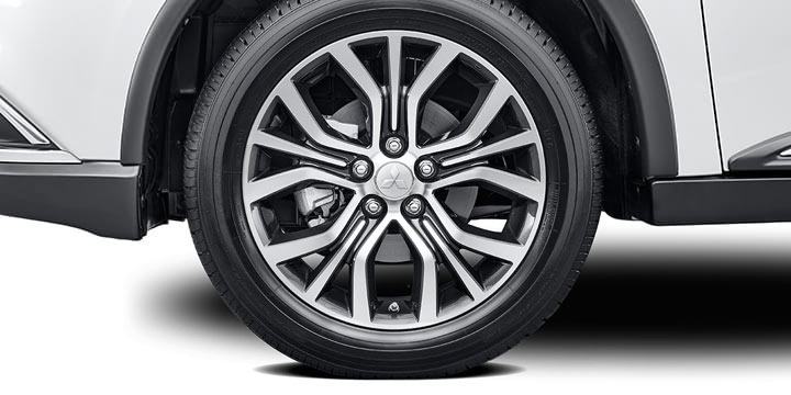 18 inch alloy wheels on 2017 mitsubishi outlander exterior