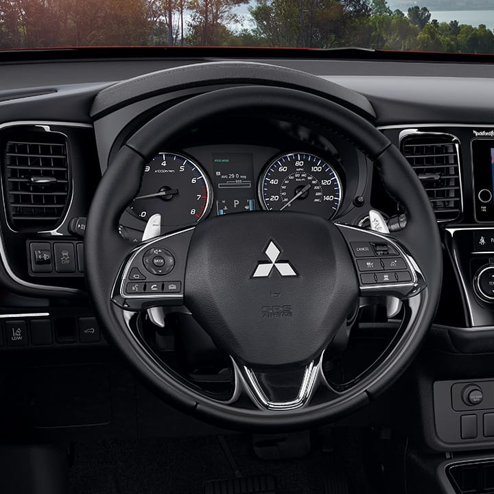 2017 Mitsubishi Outlander interior leather steering wheel