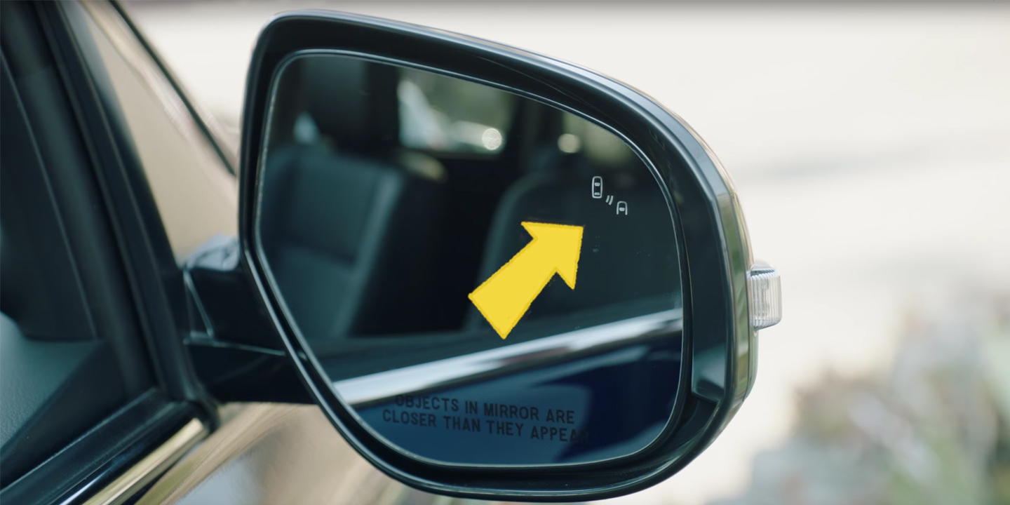 video thumb blind spot 2017 Mitsubishi Outlander