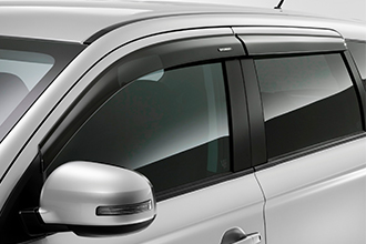 side wind deflectors above windows on 2018 Mitsubishi Outlander Crossover