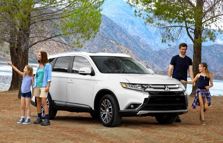 Mitsubishi Outlander 2018 Gallery Family