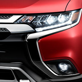 2020 Mitsubishi Outlander LED headlights
