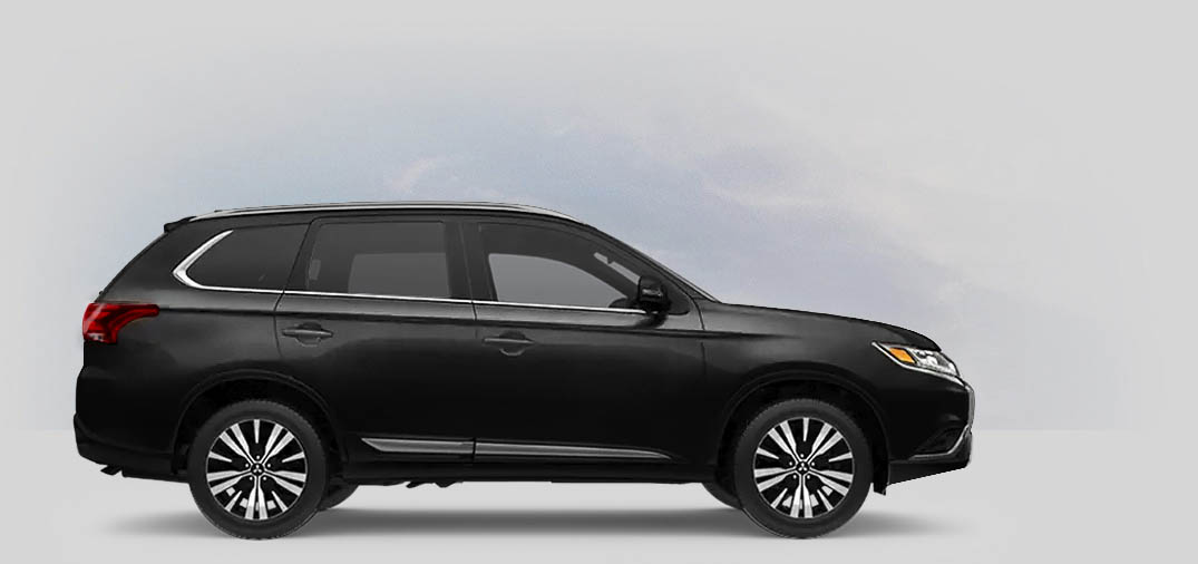 A 2020 Mitsubishi Outlander SEL 2.4 with labrador black metallic color.
