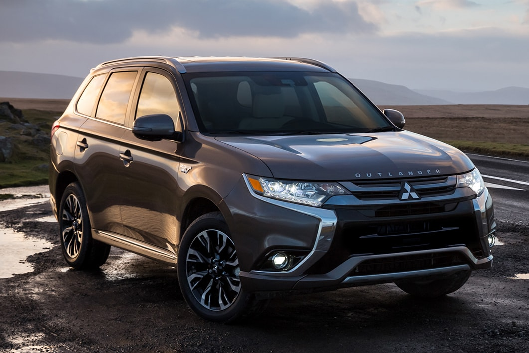 2018 Mitsubishi Outlander PHEV -Plug-in Hybrid Electric ...