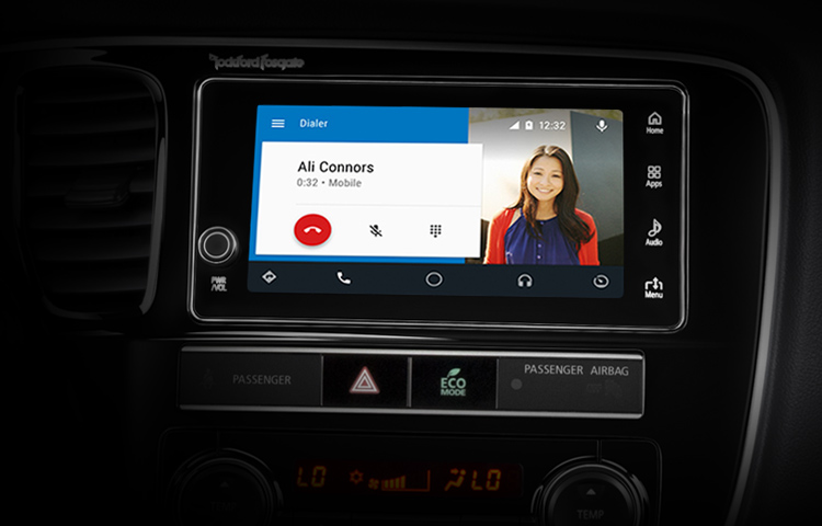 2019 Mitsubishi Outlander PHEV Features Technology Touchscreen AndroidAuto Call